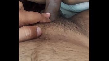 Верную анально-вагинальную шалашовку запустили по кругу два парнишку
